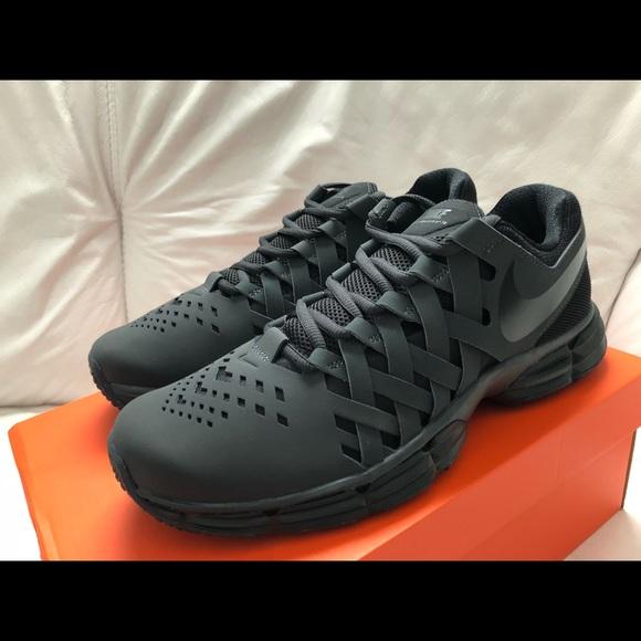banjo habilidad Al aire libre  Nike Shoes | Nike Lunar Fingertrap Tr Black Anthracite New | Poshmark